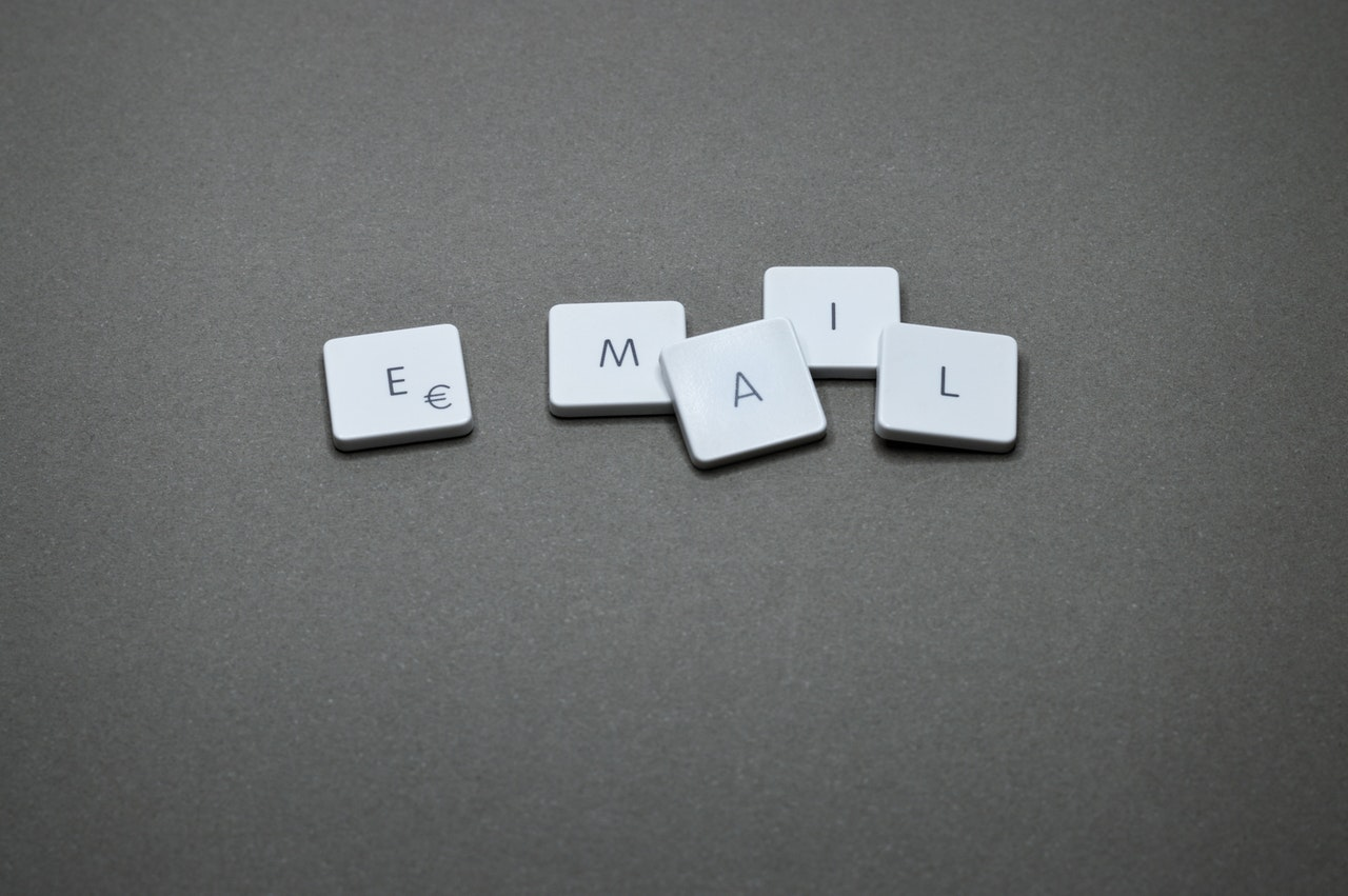 Keys from a computer keyboard display the word 'email'